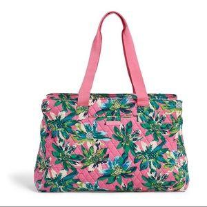 🎀 Vera Bradley Triple Compartment Travel Bag 🎀